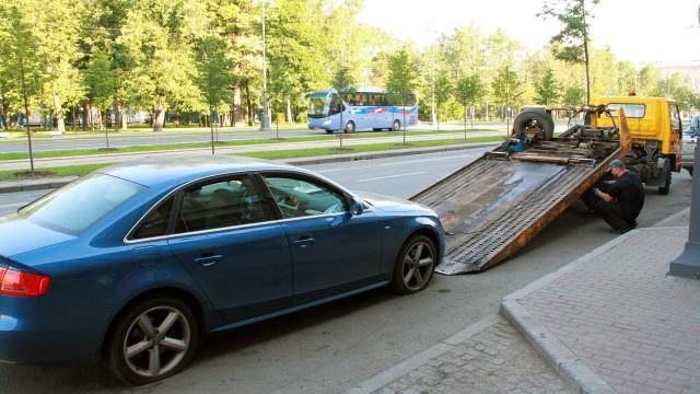 Audi A4. Против дорожных служб